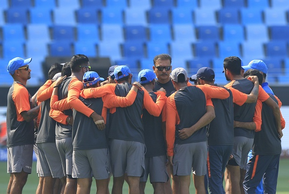 Ravi Shastri talks to the Indian players in Dubai | Getty Images