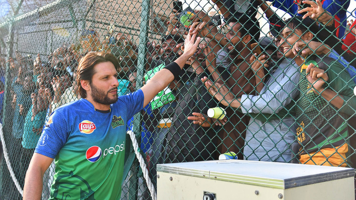 Shahid Afridi goofs up about his age again; Twitterati reacts with hilarious comments