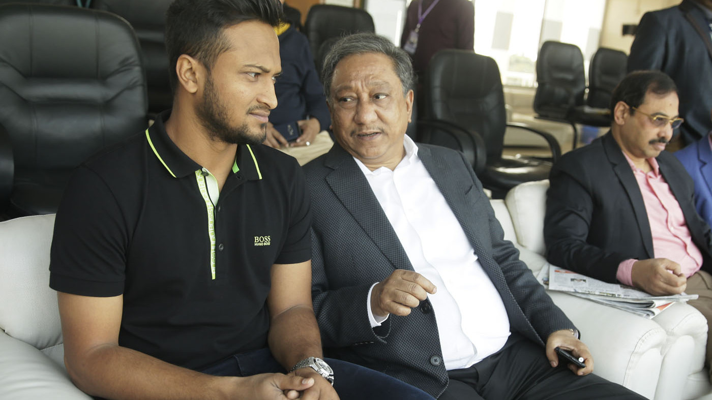 BCB boss Nazmul Hasan leaves surgery decision to Shakib al Hasan