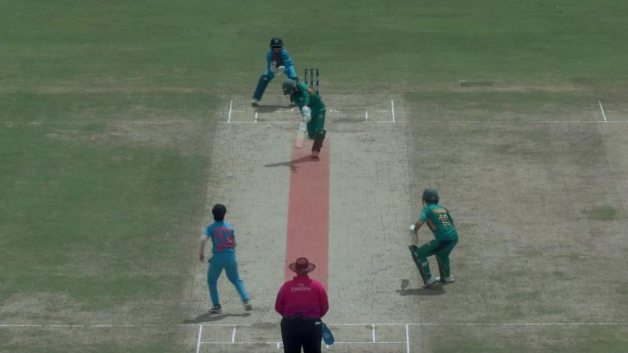 Women's World T20: आखिर क्यों भारत को पाकिस्तान खिलाफ बिना गेंद खेले ही मिले 10 रन ?