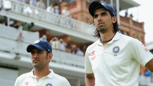 Ishant Sharma gives a simple answer to what is the difference between MS Dhoni and Virat Kohli