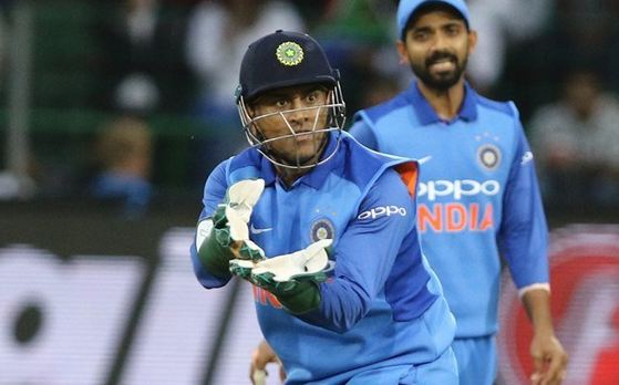 Dasgupta said that Pant should learn from MS Dhoni, the wicketkeeper