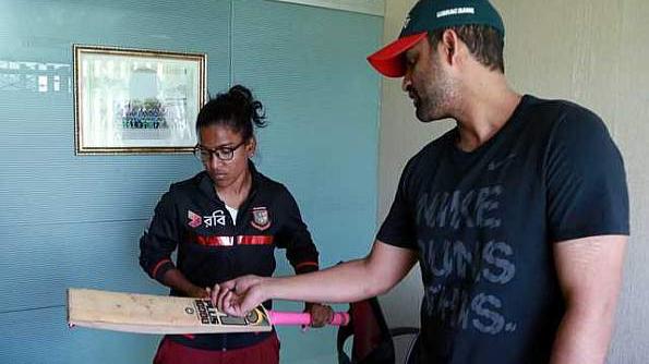 सलामी बल्लेबाज तमीम इक़बाल ने बांग्लादेशी महिला क्रिकेट की कप्तान के मुश्किल समय में की उनकी मदद