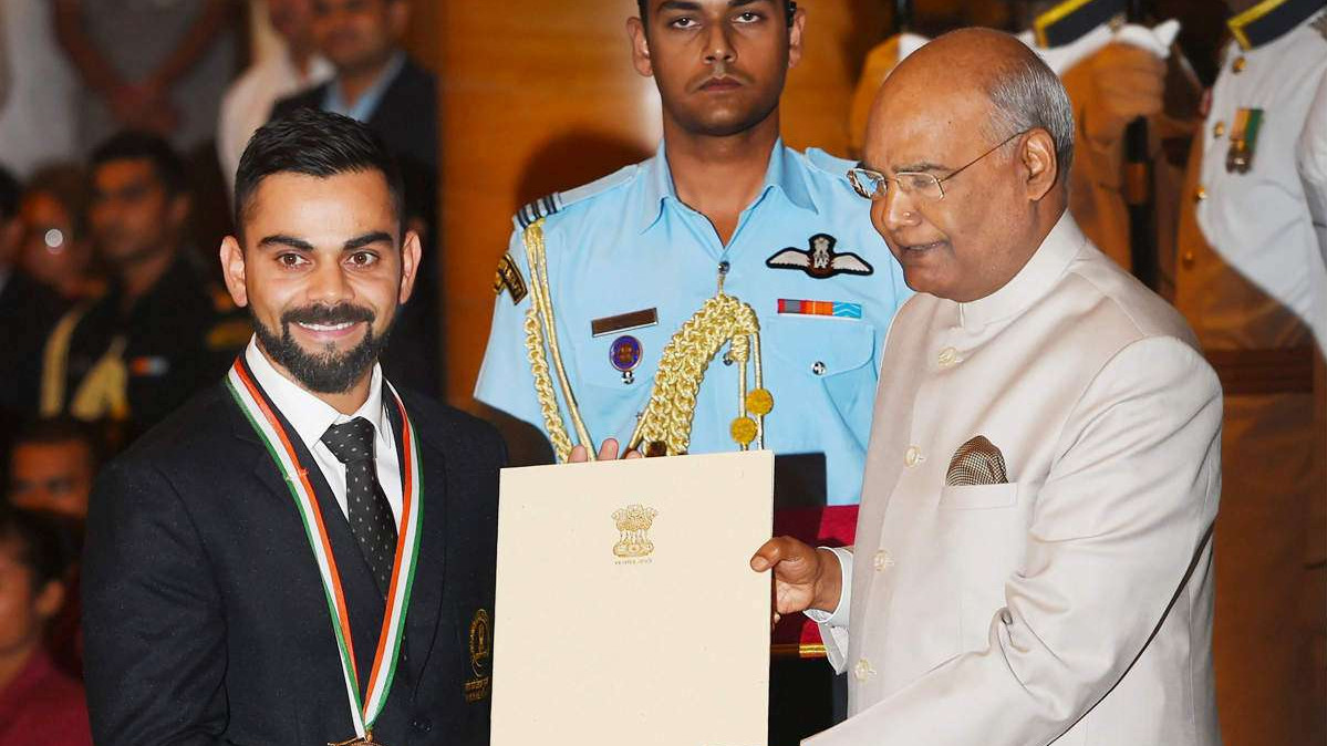 WATCH - Virat Kohli receives Khel Ratna Award from President Ramnath Kovind