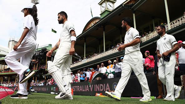 AUS v IND 2018-19: टीम इंडिया सिडनी टेस्ट में काली पट्टी बांधकर खेल रही हैं, जिसकी वजह हैं ये