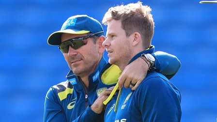 """AUS v IND 2020-21: """"Steve Smith coaches himself,"""" says Justin Langer; warns Team India about his return to form"""