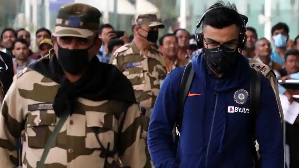 Virat Kohli with a facemask | Twitter