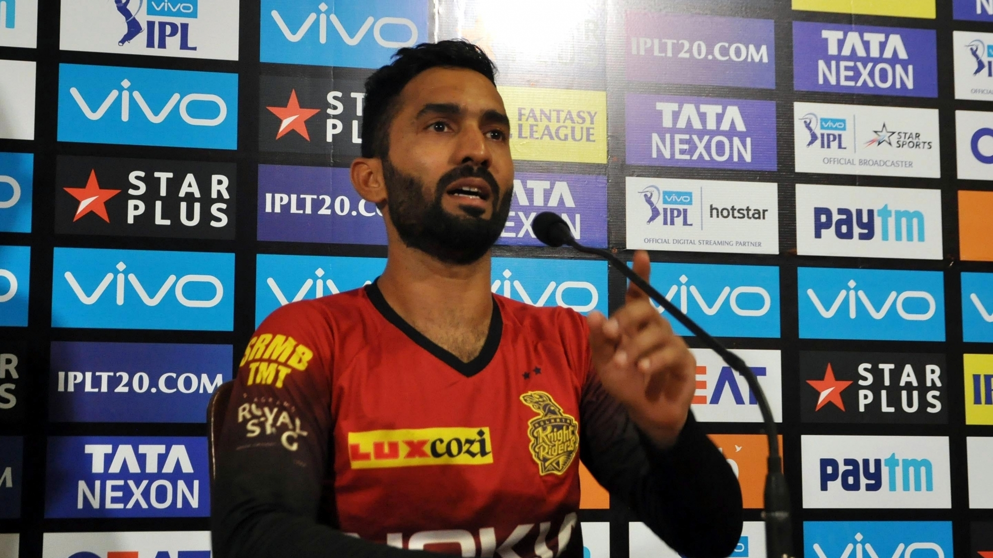 IPL 2018: Dinesh Karthik defends Kolkata Knight Riders' uncertain batting order