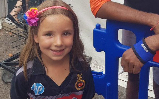 This 5-year-old girl is a huge Virat Kohli fan and was ignored by Kohli, despite waiting hours to meet him | Twitter