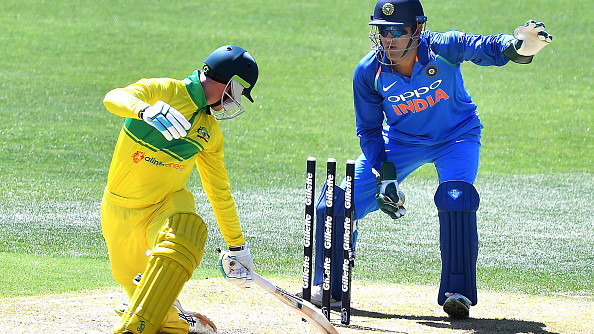 AUS v IND 2018-19: WATCH: MS Dhoni's quick stumping catches Handscomb short of the crease
