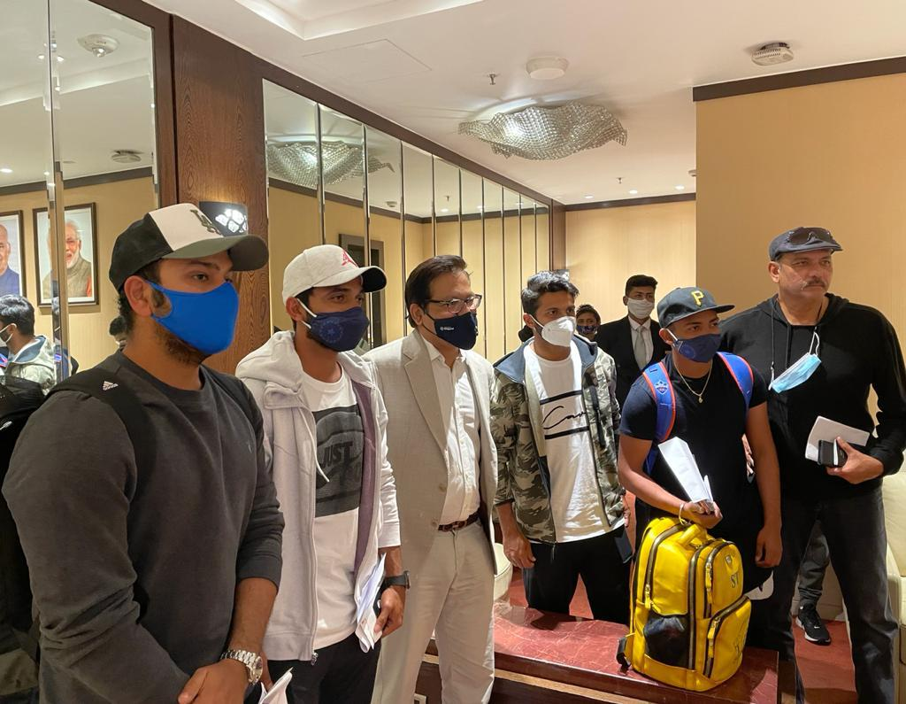 Rahane, Thakur, Rohit, Shaw and Shastri arrived in Mumbai on morning of Jan 21 | Twitter