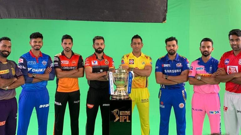 IPL 2019: Bhuvneshwar Kumar attends pre-tournament photoshoot; sparks rumors of leading SRH
