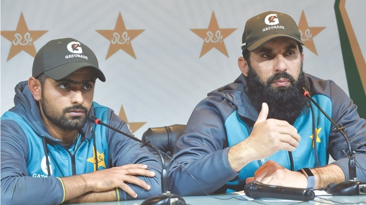 NZ v PAK 2020-21: Babar Azam, Misbah-ul-Haq convince PCB to continue the tour as board mulls various options