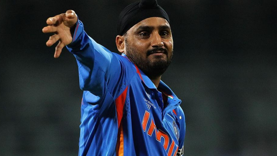 Harbhajan Singh in awe of six year old Hasan Akhtar's pace bowling