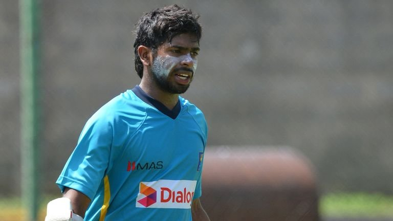 Niroshan Dickwella snubbed from Sri Lanka's 15-men squad for Nidahas Trophy