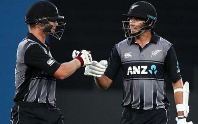 Doug Bracewell and Scott Kuggeleijn set 35-runs win for the Kiwis | Getty Images