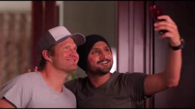 हरभजन सिंह और शेन वाटसन ने वेब शो में शाहिद अफरीदी और युवराज सिंह के बारे में किये खुलासे