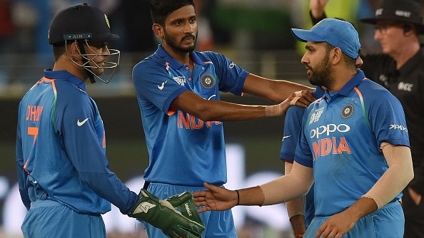 Asia Cup 2018: Fans request Rohit Sharma to let MS Dhoni captain in the final again