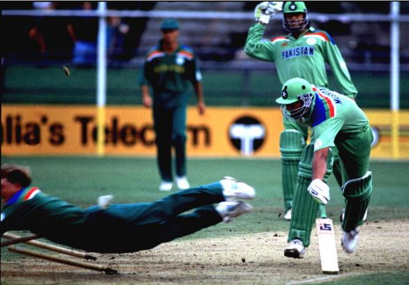 Jonty Rhodes destroys the stumps to run out Inzamam-ul-Haq in the 1992 World Cup