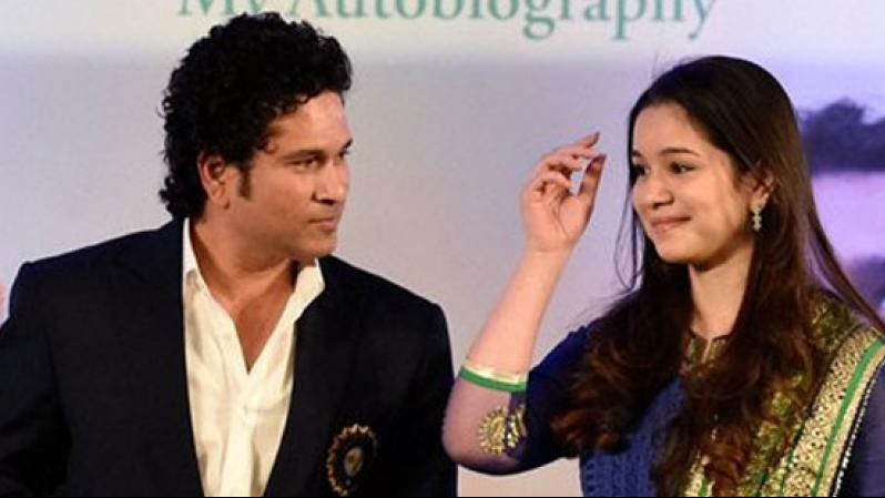 Sachin Tendulkar congratulates daughter Sara as she completes her graduation