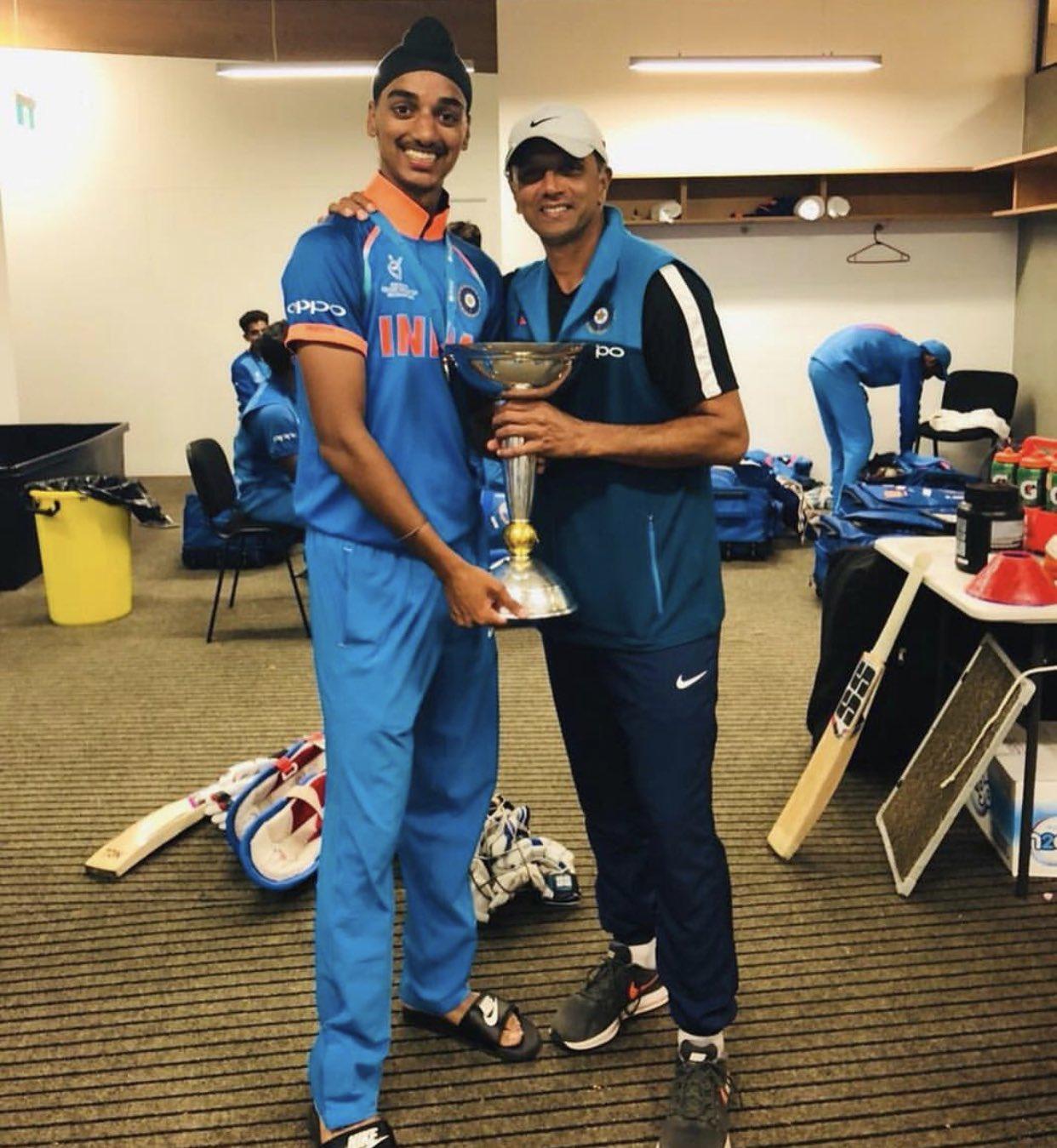 Arshdeep Singh and Rahul Dravid   Twitter