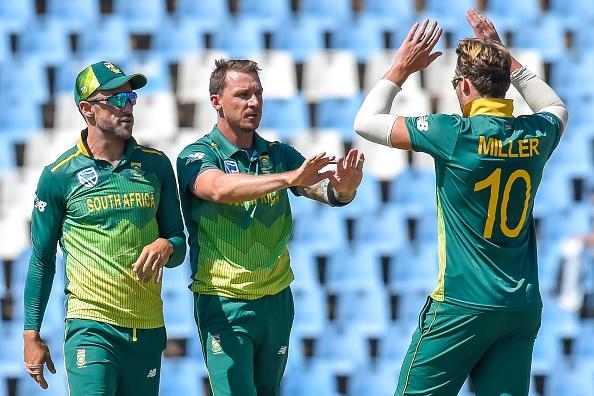 Faf du Plessis alongside Dale Steyn and David Miller | Getty