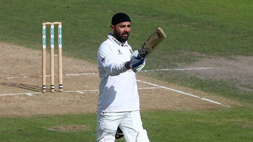 WATCH – Murali Vijay scores a debut ton for Essex