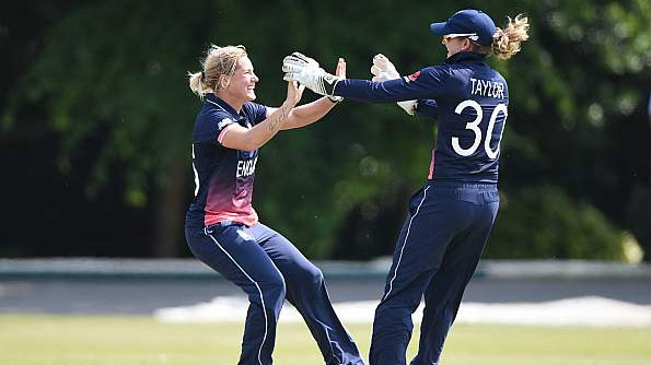 Sarah Taylor and Katherine Brunt return to England squad for India series