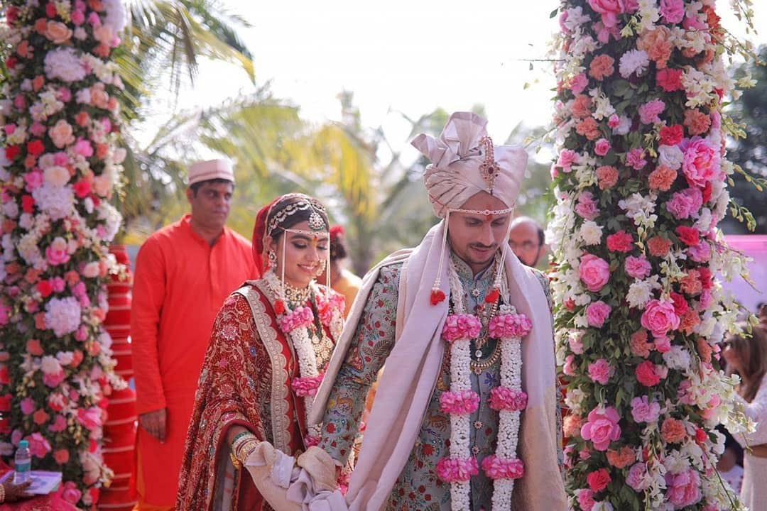 Siddhesh and Hiral took the wedding vows in a traditional ceremony (Pic. Source: KKR/Twitter)