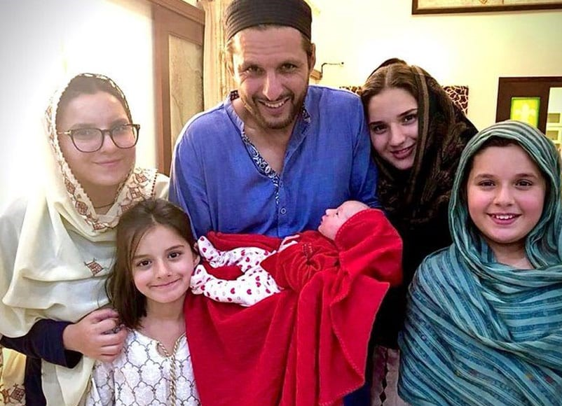 Shahid Afridi with his family