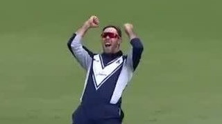 Watch -Glenn Maxwell's one-handed stunner in the JLT One-Day Cup semi-final