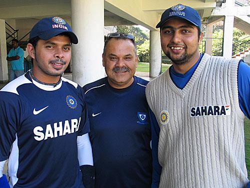 श्रीसंत और डेव व्हाटमोर के साथ वीआरवी सिंह