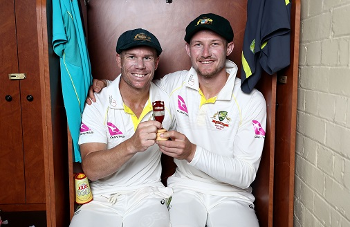 David Warner and Cameron Bancroft poses with Ashes Urn | Getty Images