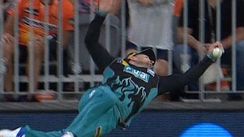 BBL 2018-19: WATCH -Brendon McCullum almost takes