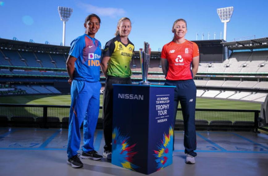 महिला टी-20 विश्वकप की ट्रॉफी के साथ भारत, ऑस्ट्रेलिया और इंग्लैंड की कप्तान | Getty