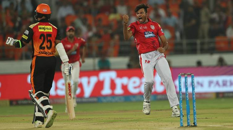 IPL 2018 : अंकित राजपूत ने शिखर धवन को आउट कर किया ऐसा काम कि फीका पड़ गया उनका शानदार प्रदर्शन