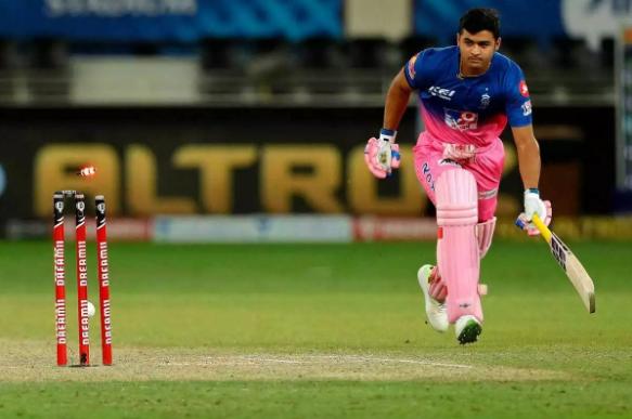 Riyan Parag ran out during chase against DC | BCCI/IPL