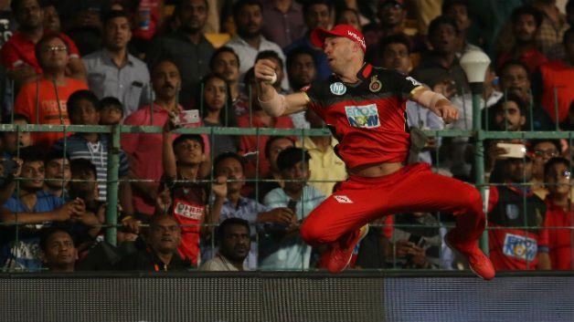 IPL 2018 : एबी डिविलियर्स का शानदार कैच देख हैरान डेनियल वायट ने विराट कोहली के ट्वीट पर दिया ये जवाब