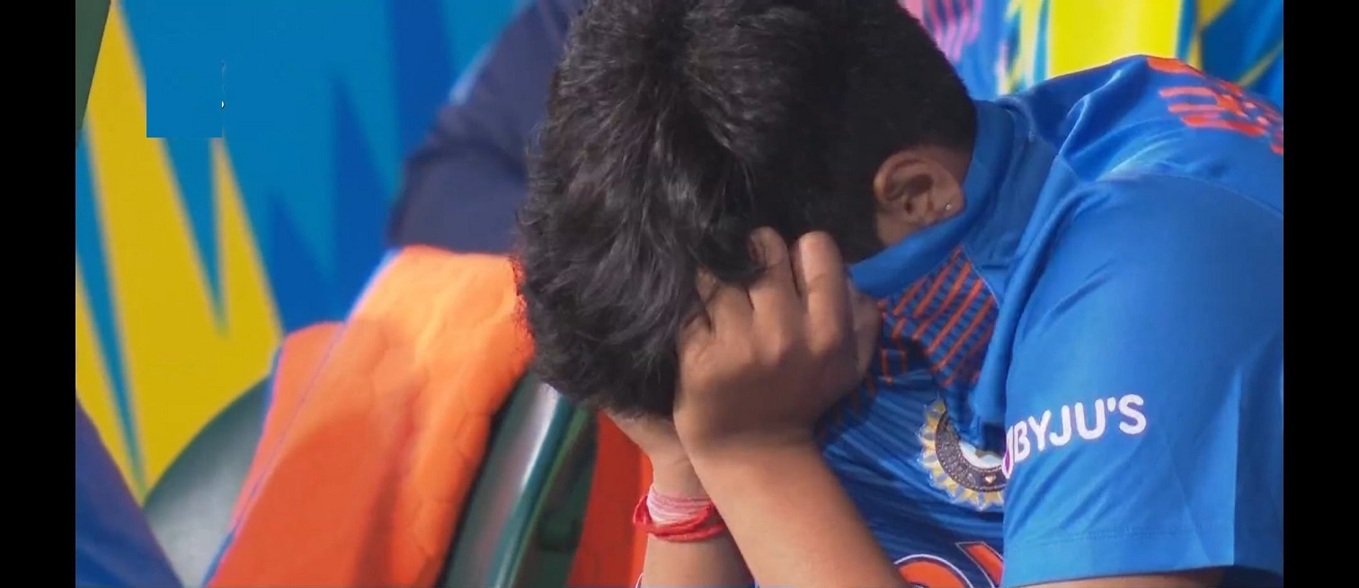 Dejected Shafali Verma hides her face in the jersey   Twitter
