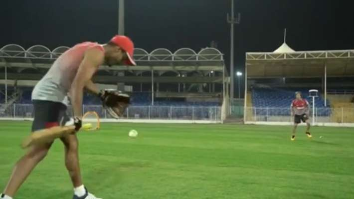 IPL 2020: WATCH – Mayank Agarwal turns coach for Jonty Rhodes during a training session