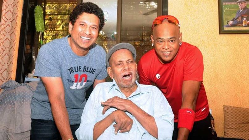 विनोद कांबली ने बताया की उनके और सचिन के साथ रमाकांत सर के पिता और बच्चे जैसे रिश्ते थे