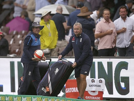 England coach Trevor Bayliss with assistant coach Paul Farbrace | AP