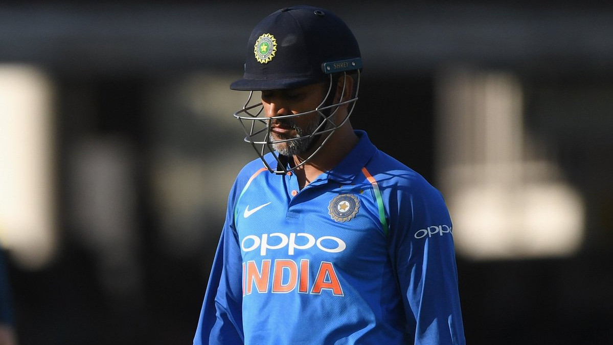 Fans vent out their anger at national selectors after MS Dhoni's T20I outster