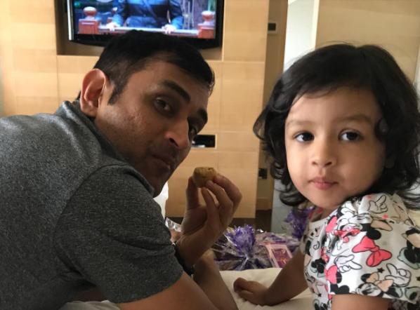 MS Dhoni with Ziva | Instagram