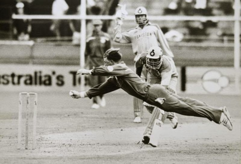 Perhaps the greatest and most famous run outs in international cricket, as Jonty Rhodes demolishes the stumps to run Inzamam out in 1992 WC