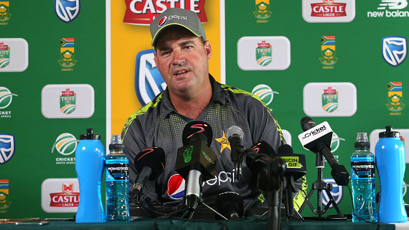 SA v PAK 2018-19: Mickey Arthur critical of the South African pitches
