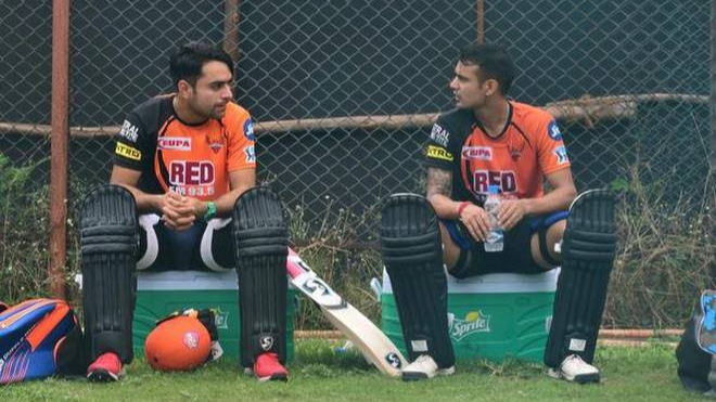 Siddharth Kaul challenges Rashid Khan; to give an international flavor to the 'Hum Fit Toh India Fit' challenge