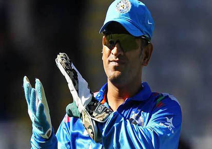 SA v IND 2018: Watch – MS Dhoni's razor sharp advice to Indian bowlers in Durban ODI