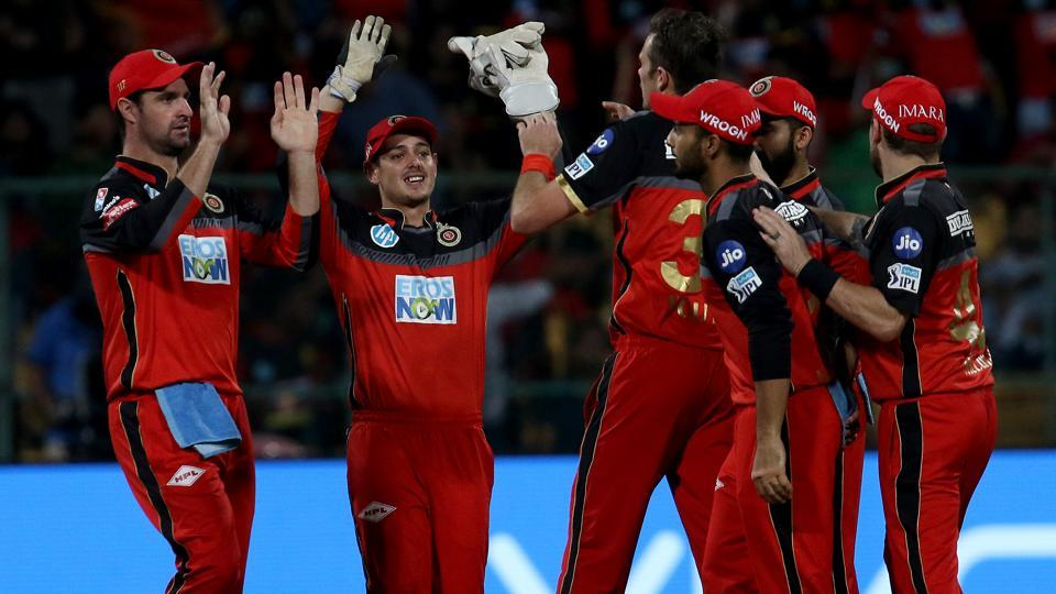 IPL 2018: Twitter reacts in amazement as RCB successfully defends 167 against MI