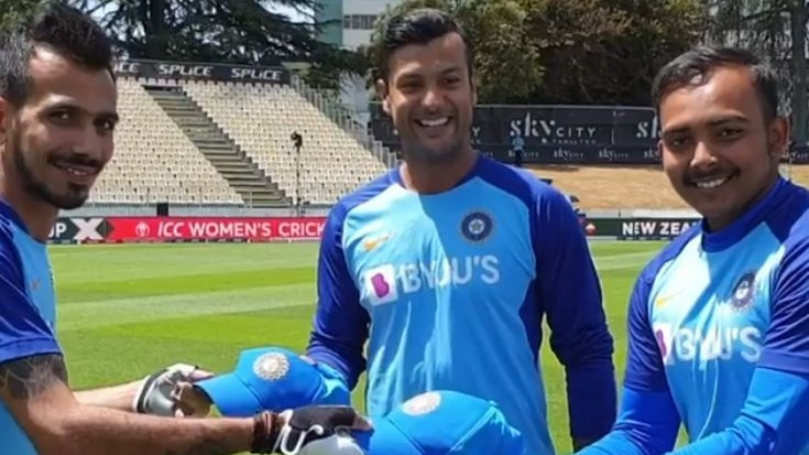 NZ v IND 2020: WATCH- Yuzvendra Chahal playfully presents Shaw and Mayank with their India ODI caps